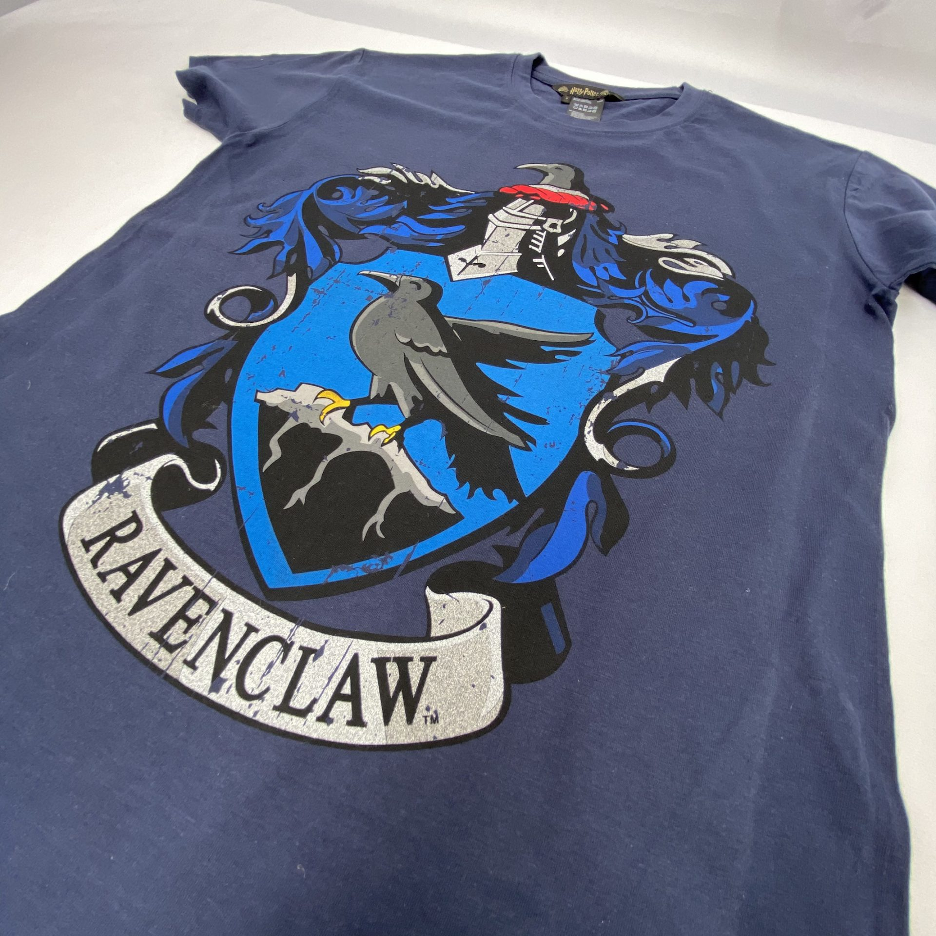 Two silver metallics are used to create this great effect on a Ravenclaw t-shirt